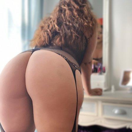 Nadia sapphire